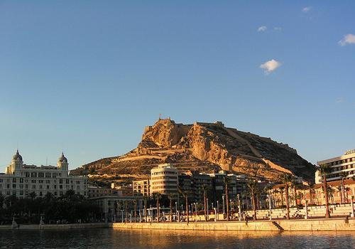 Verano en Alicante: descubrir el Castillo de Santa Bárbara
