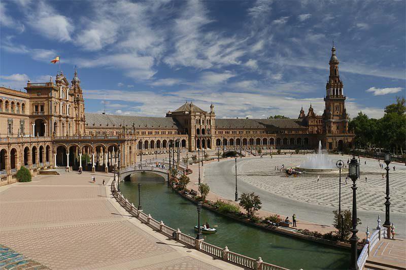 Curiosidades de la Plaza de España en Sevilla