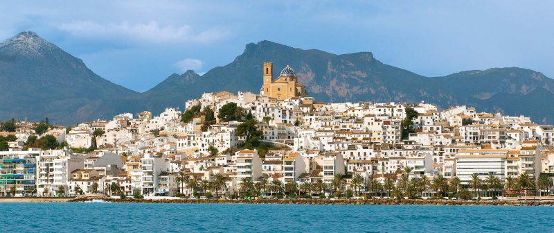 Disfruta del verano, las fiestas y el mediterráneo en Altea