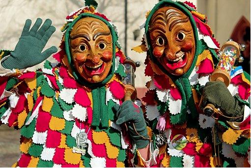 Carnaval de Cádiz: disfraces a ritmo de chirigotas