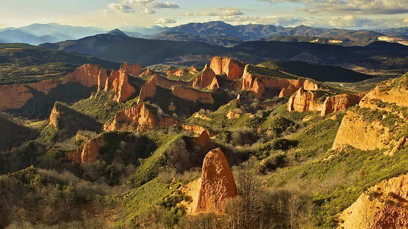 Cinco rutas para disfrutar de una escapada de naturaleza y aventura