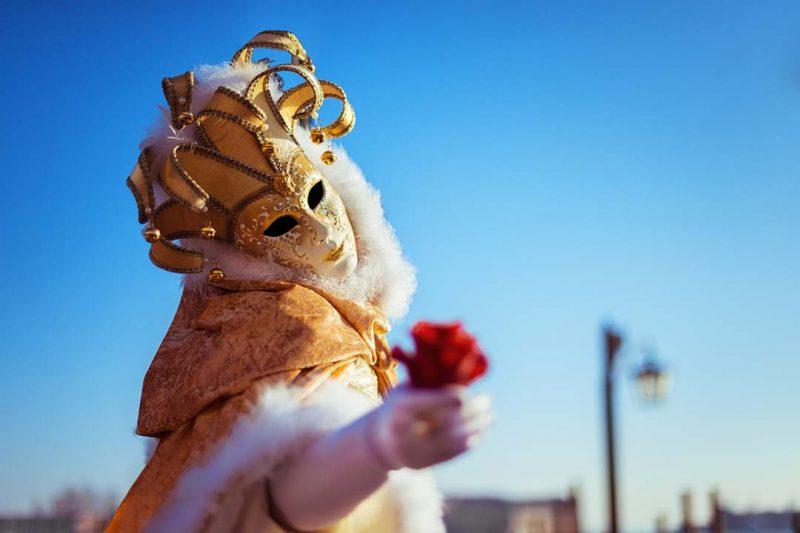 Cinco ciudades españolas donde vivir la magia del Carnaval