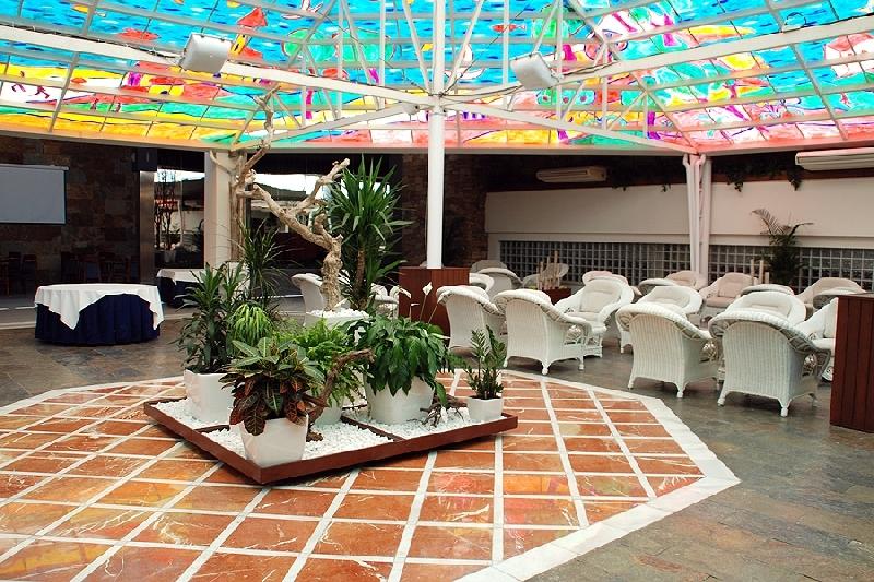 Hotel escapada al oceanografic hotel olympia event spa for Hotel oceanografic ninos