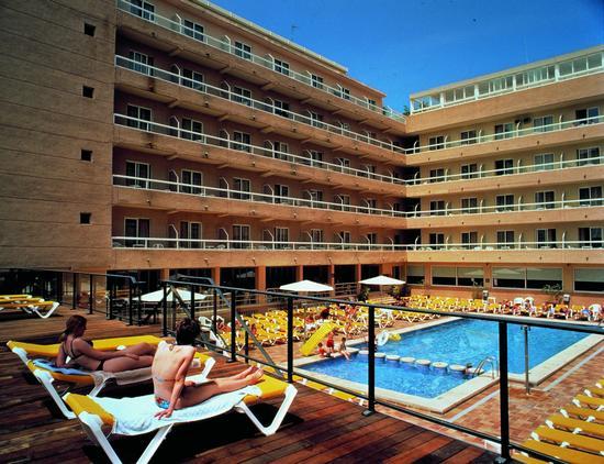 Hotel escapada puente octubre hotel fiesta park for Hoteles en benidorm con piscina climatizada