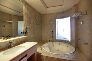 Hotel escapada amor en habitacion con jacuzzi privado - Escapadas romanticas jacuzzi habitacion ...