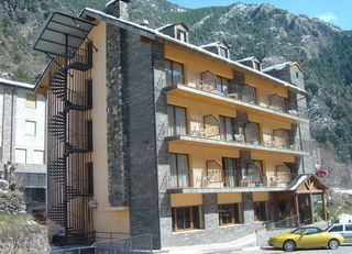 hotel hotel erts + forfait actividades vallnord
