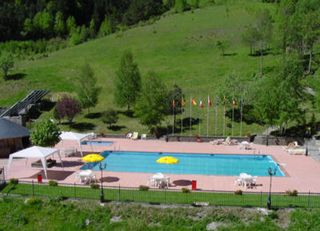hotel hotel sant gothard + forfait vallnord andorra + material