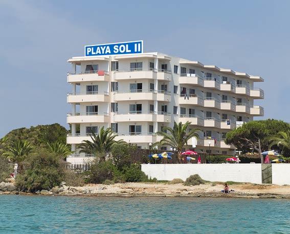 Apartamentos playa sol ii playa den bossa ibiza - Apartamentos playa baratos vacaciones ...