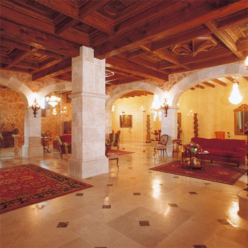 Hotel torremilanos aranda de duero burgos for Decoracion bodega