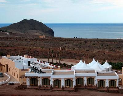 Hotel cortijo el paraiso los escullos cabo de gata almeria - Hotel los patios almeria ...