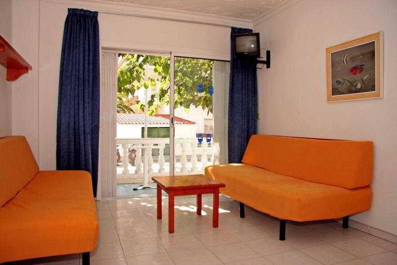 Apartamentos europa apartments blanes gerona for Apartamentos europa