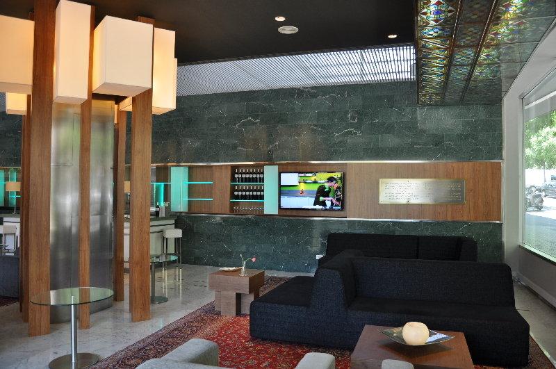 Apartahotel atenea barcelona aparthotel barcelona ciudad for Appart hotel 08028