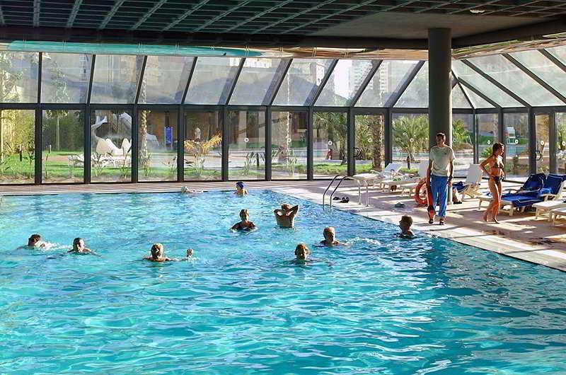 Hotel melia benidorm benidorm costa blanca costas espaa for Piscina climatizada benidorm