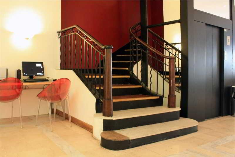 hotel new hotel saint charles marseille marsella. Black Bedroom Furniture Sets. Home Design Ideas