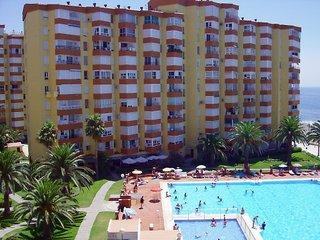 Apartamentos apartamentos intercentro algarrobo costa for Centro del algarrobo