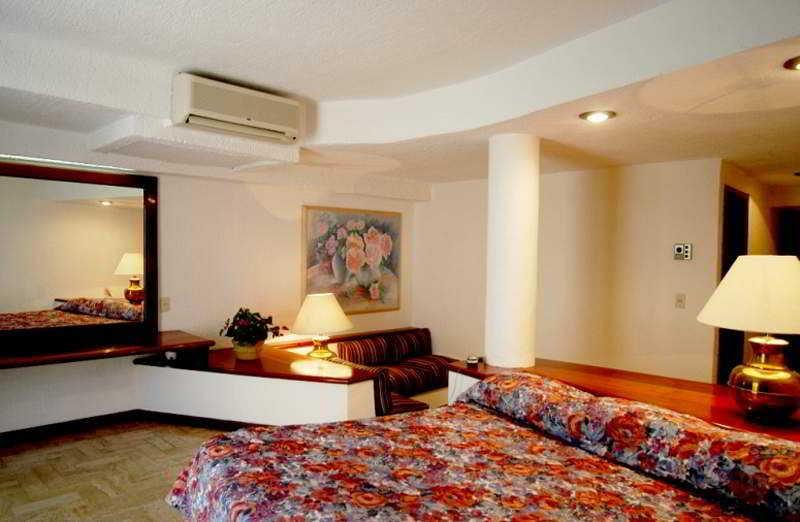 Suites Costa Blanca Hotel Cancun