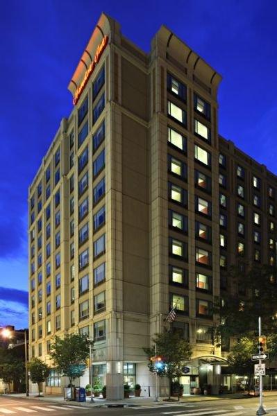hotel hampton inn philadelphia center city downtown. Black Bedroom Furniture Sets. Home Design Ideas