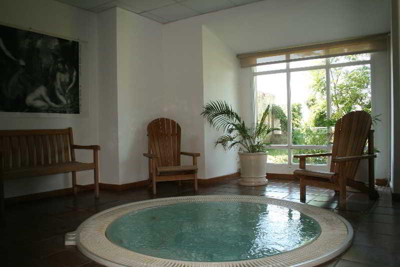 Hotel parador de monforte monforte de lemos lugo for Piscina monforte de lemos