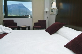 Hotel eurostars reina felicia candanchu astun valle del aragon huesca - Hotel reina felicia ...