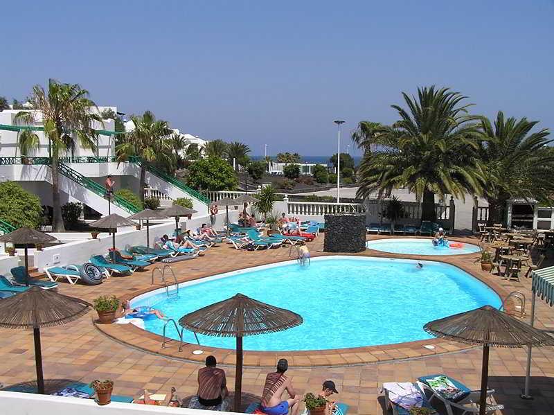 Apartamentos playa park puerto del carmen lanzarote - Alquiler coche lanzarote puerto del carmen ...