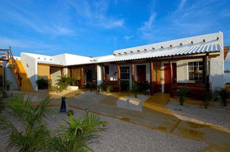 hotel tropicana & bonaire fun apartments