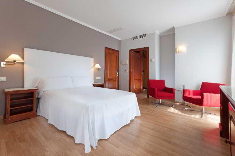 Hotel tryp melilla puerto melilla ciudad melilla for Tryp habitacion familiar