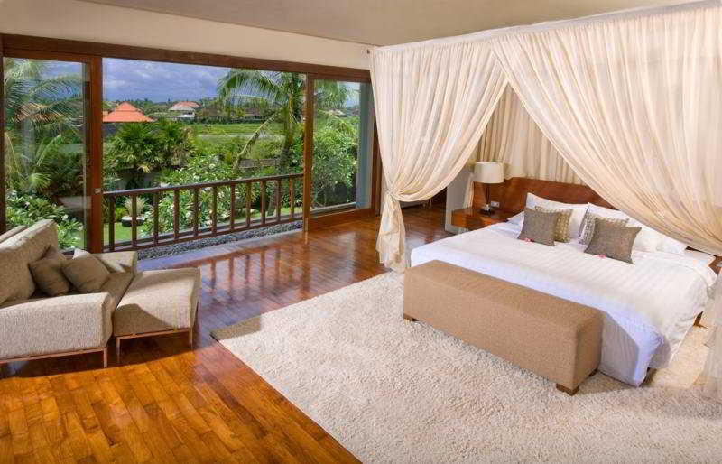 Villa azaya seminyak bali for Case vecchio stile costruite nuove