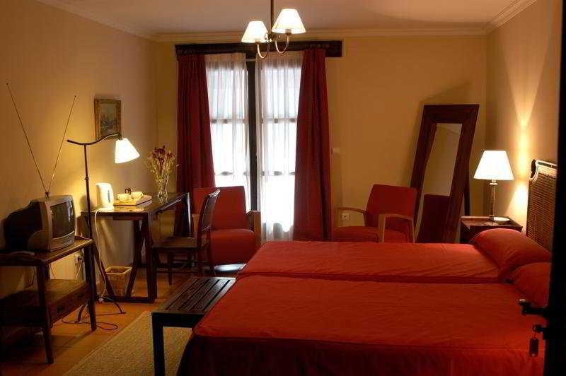 Hotel posada real del pinar medina del campo valladolid - Muebles epoca salamanca ...
