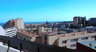 Apartamentos las arenas playa del ingles gran canaria - Tumbonas gran canaria ...