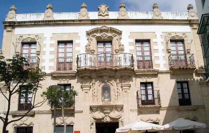 Apartamentos casa palacio de los leones puerto de santa - Casa puerto santa maria ...