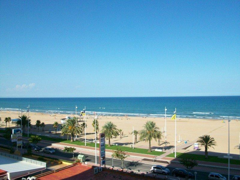 Apartamentos don chimo danio playa de gandia costa de valencia - Playa gandia apartamentos ...