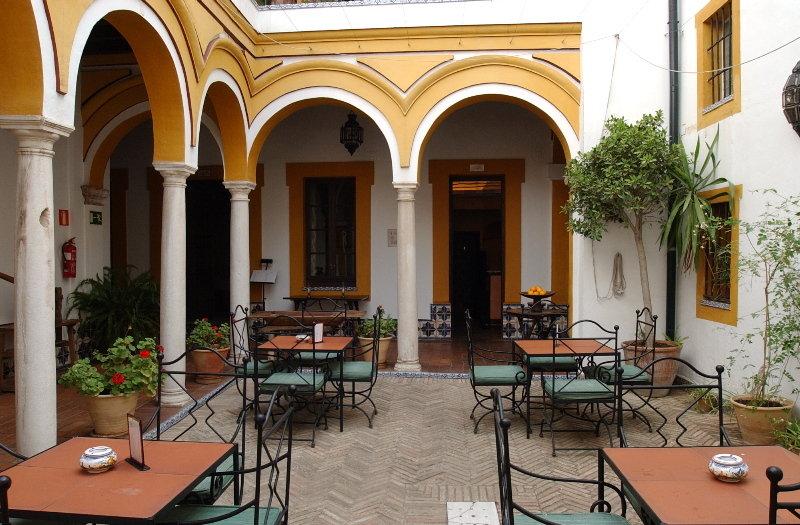 Hotel casa imperial sevilla ciudad sevilla for Alquiler casa en umbrete sevilla